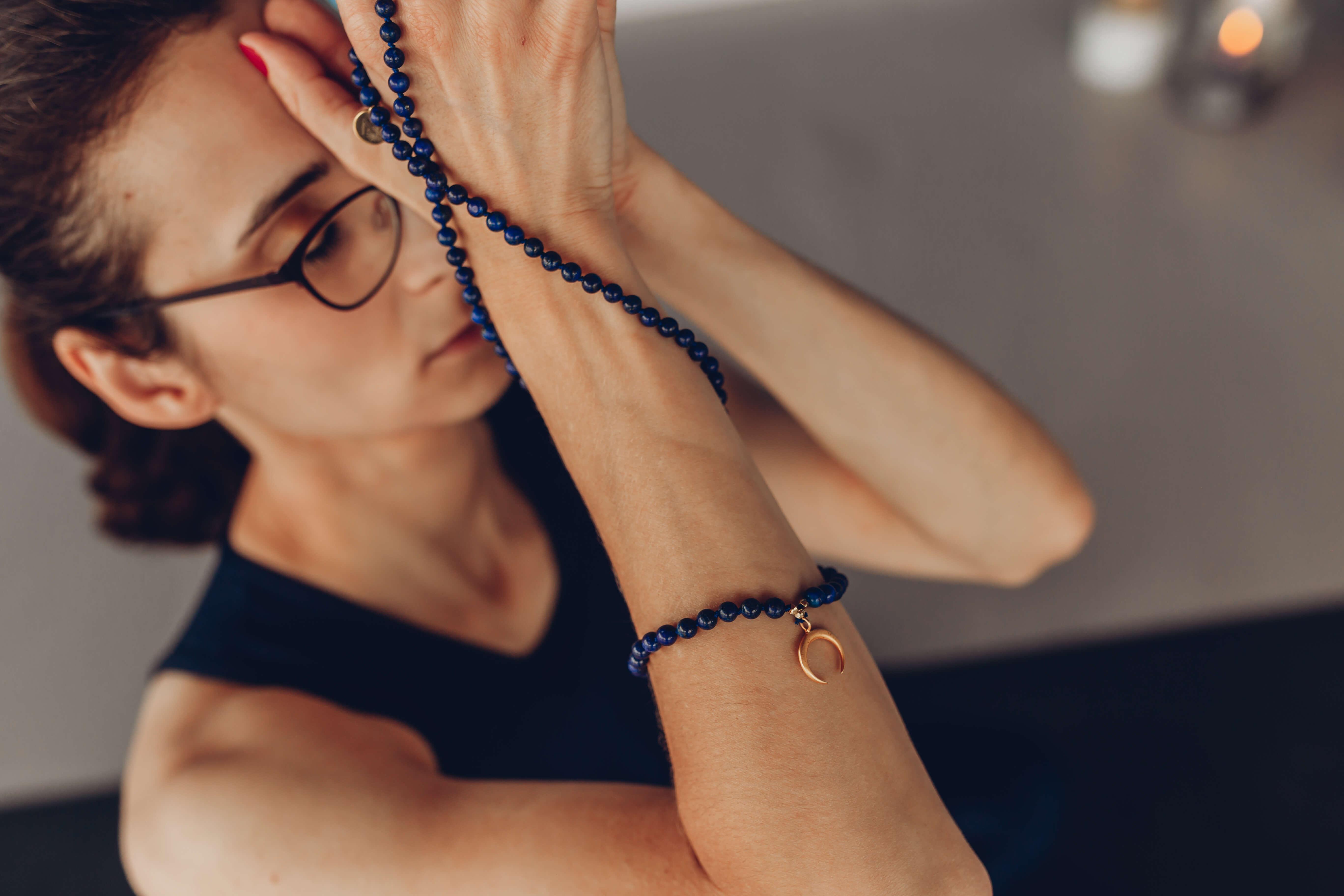 Yoga by Veronika, Namaste mit Mala
